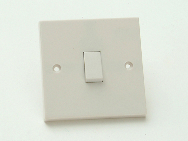 SMJ Light Switch 1 Gang 2 Way Clam Pack SMJW12LSC