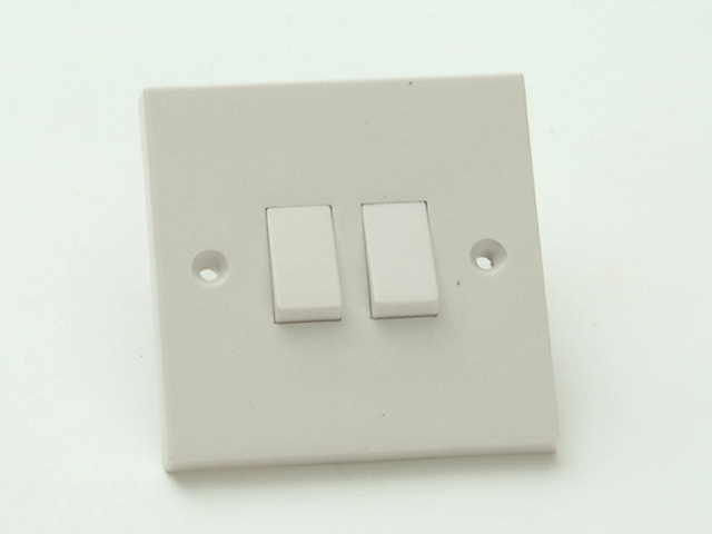 SMJ Light Switch 2 Gang 2 Way Clam Pack SMJW22LSC